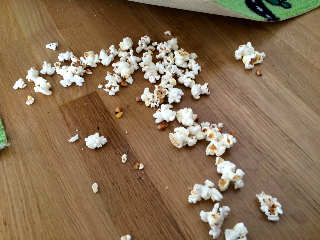 Gömma popcorn, också kul